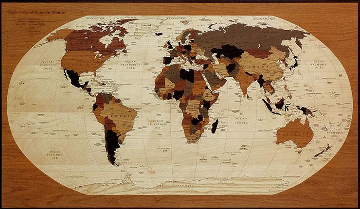 planisphère en marqueterie jusqu'à 246 cm de large
