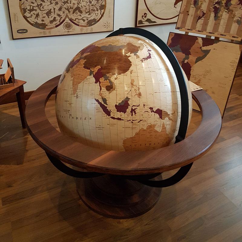 le globe géopolitique woodmap vue de dessus